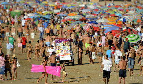Spain welcomes record number of holidaymakers