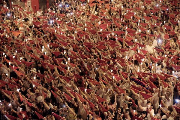 Running of the bulls comes to an end in Pamplona