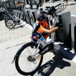 Madrid electrical bike share system takes off despite lack of cycle lanes