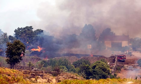 Spain wildfire forces more evacuations