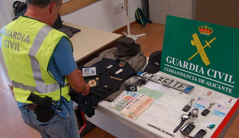 Fake traffic police arrested for robbing tourists on Costa Blanca