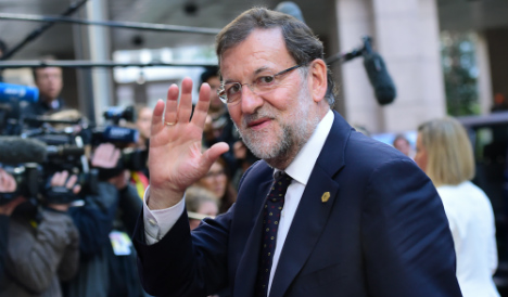 Rajoy speaks Catalan in last ditch appeal to voters to stick with Spain