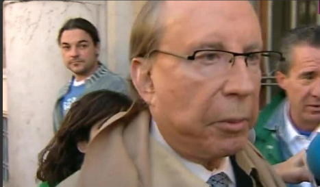 Cremation of businessman Ruiz-Mateos stalled over paternity claim