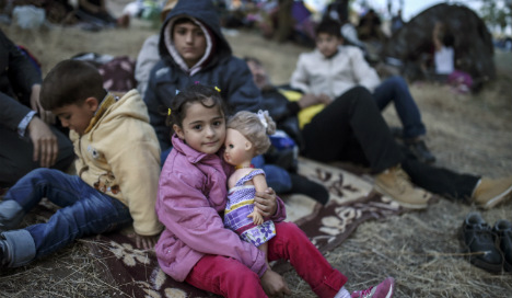 Spain urged to open its border to hundreds of Syrian refugee children