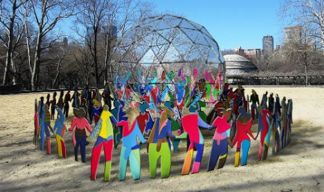 Spanish artist unveils 'masterpiece' to commemorate 70 years of UN