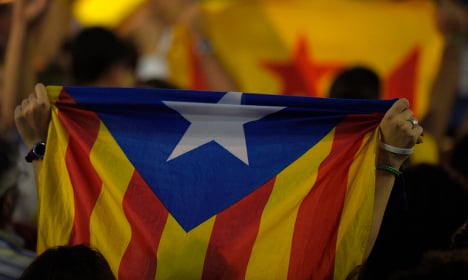 Spain's main parties strike 'unity' pact against Catalonia separatists