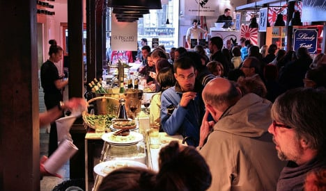 Shhh! Campaigners try to silence noisy Spanish restaurant diners