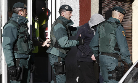 Spain arrests two prison inmates for spreading Isis propaganda