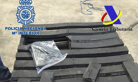 Spanish police seize 1,400 kgs of cocaine disguised as wooden pallets