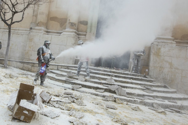 Spanish town celebrates crazy festival with flour and egg battle