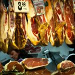 Hapless ham thief leads cops to door with trail of fat