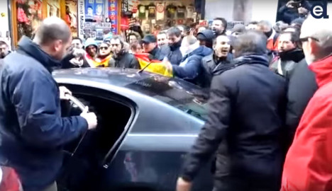 Madrid police chiefs forced to hide from mob of angry cops
