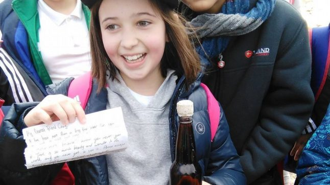 Spanish girl finds message in bottle and it is heartbreaking