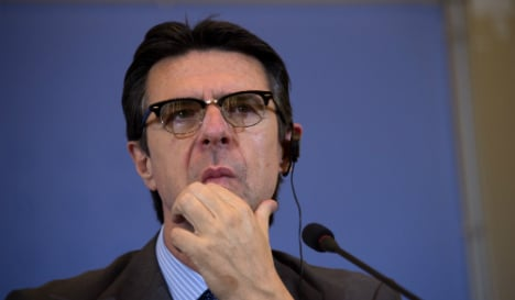 Spain minister asks Panama to clear him over banking leak