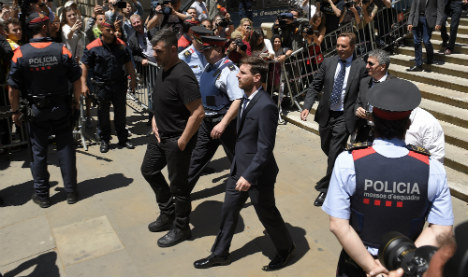 Spain prosecutors ask Messi be absolved in tax fraud trial