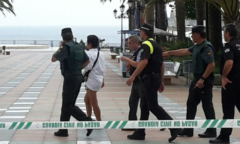 Tourist sparks bomb scare by locking suitcase to park bench