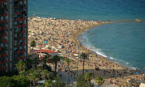 Terror-wary tourists flood Spain in 2016