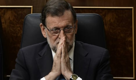 Spanish MPs reject Rajoy in first confidence vote