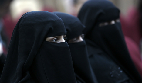 Pregnant woman in niqab attacked by two men in Spain