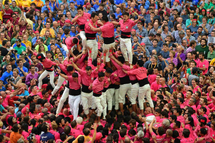 Amazing aerial photos of Spain's human tower competition