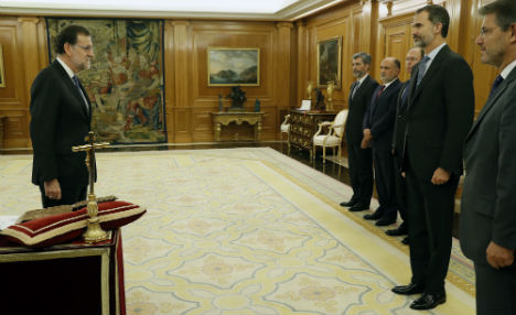 It's official: Mariano Rajoy sworn in as prime minister