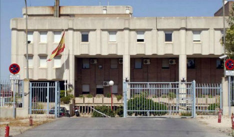 Migrants flee detention centre in Spain after staging 'mutiny'