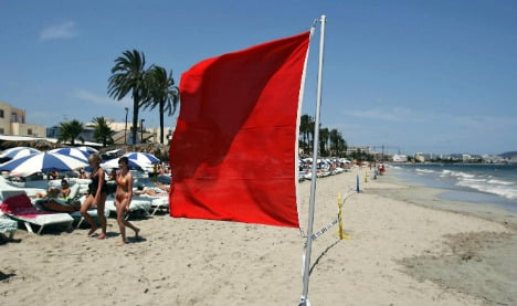 Lifeguards ignored drowning tourist 'for not waving enough'