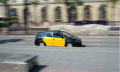 Spanish taxi driver returns €10,000 left in cab