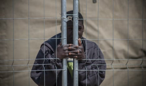 Amnesty slams treatment of migrants in Spain enclaves