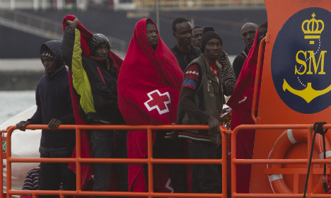 Spain rescues 92 migrants off southern coast