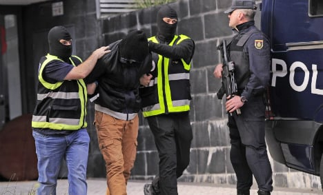 Two suspected jihadists arrested in Madrid and weapons cache seized