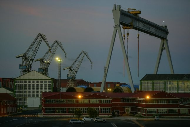 Spain's dockers to go on strike as competition threatens