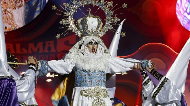 Carnival drag queen causes outrage with 'blasphemous' performance as Virgin Mary
