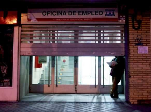 Spain's unemployment rate rises for first time in a year