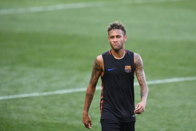 Did Neymar signal move from Barcelona to Paris Saint-Germain with pensive Instagram pose?