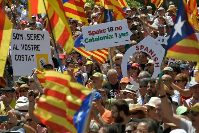 Spain threatens to cut Catalonia funds over referendum