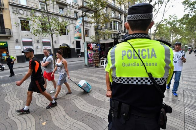 Barcelona tightens security at tourist spots after terror attacks