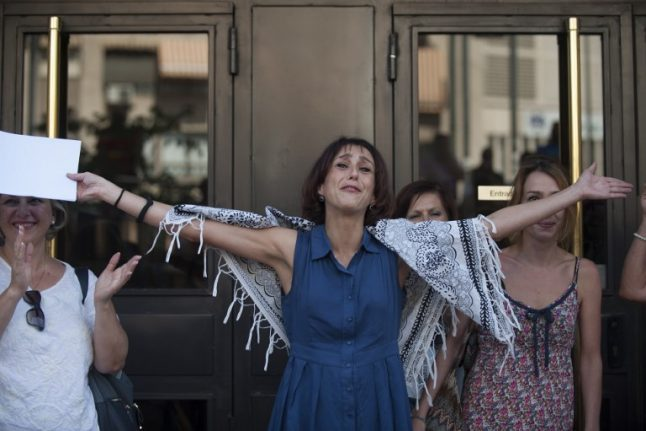 Fugitive mum whose plight divided Spain turns herself in