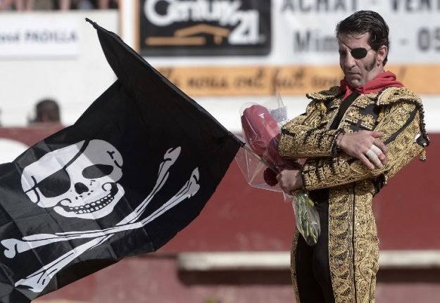 Pirate bullfighter provokes a storm with Franco-era flag