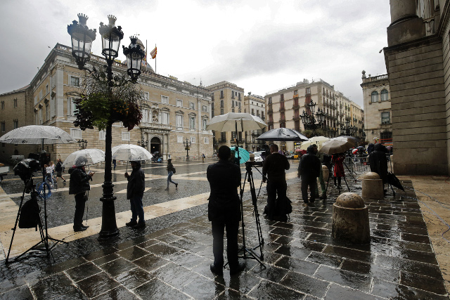 Media workers and unions slam Spanish government plan to take control of Catalan TV and radio