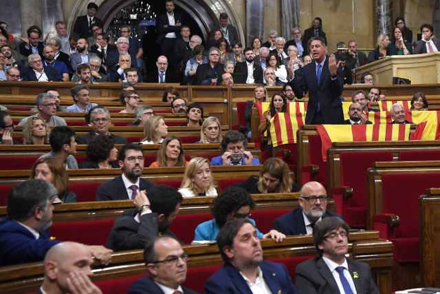Catalan parliament passes resolution declaring independence
