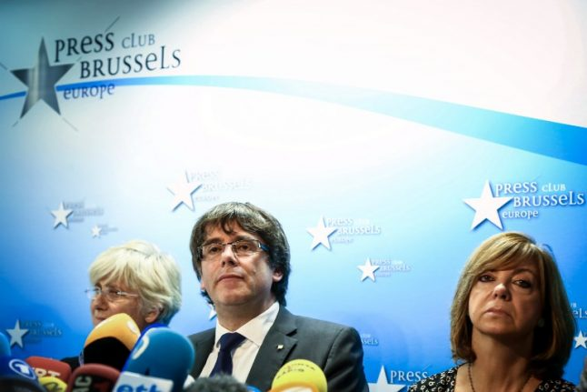 Puigdemont implies he accepts charges against him and new elections but wants dialogue with EU