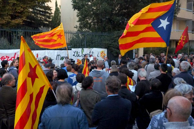 French Catalans offer to host Puigdemont's governnment 'in exile'