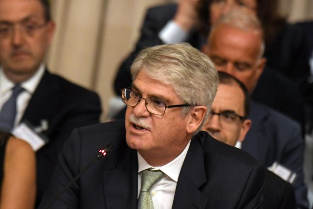Spain accuses Puigdemont of 'trickery' and 'ruses'