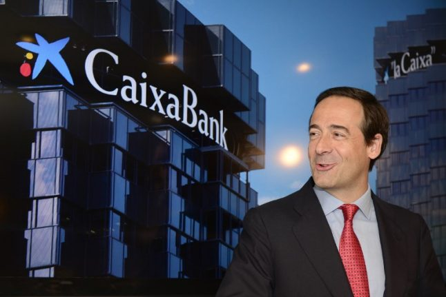 Shares of Spanish banks plummet on stock exchange as unrest continues in Catalunya