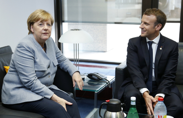 Merkel hopes for 'solutions based on the Spanish constitution' to Catalonia issue