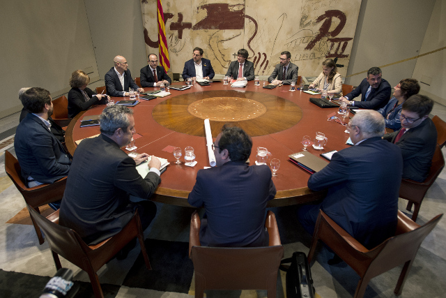 Cracks appear in Catalan independence camp as Madrid takeover looms
