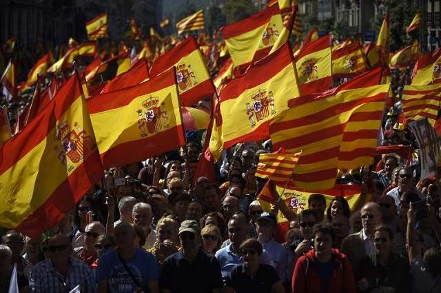 Catalan separatists under pressure after unity rallies