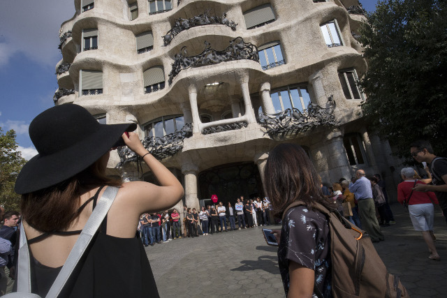 'Our sales have dropped, it's very worrying': Catalonia independence row sparks tourism slump
