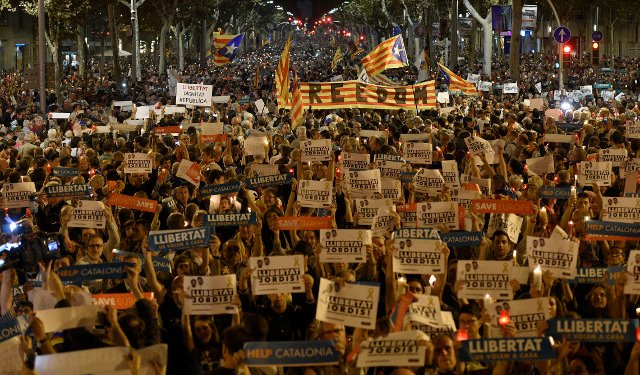 Thousands protest in Barcelona over separatist detentions